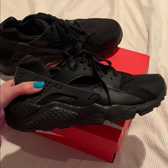 Nike Shoes | Nike Haraches | Poshmark